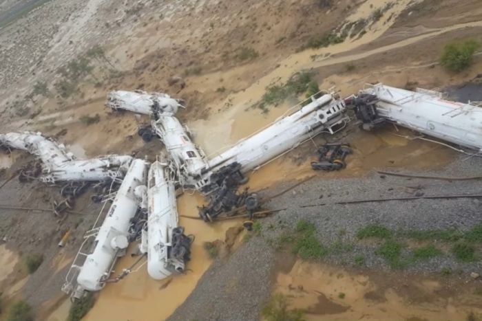Train carrying sulphuric acid derails in north-west QLD
