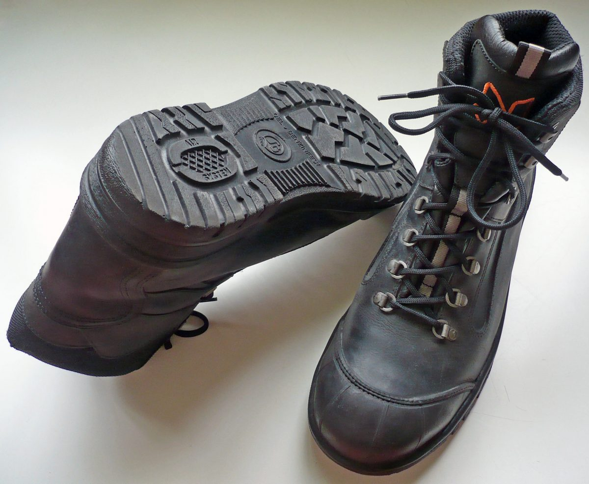 #FUN READ 7 Things To Know: Safety Shoes