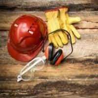 Safety Bulletin – Safety helmets – Effective working life