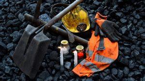 underground miner dies