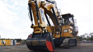 6040 excavator safety features