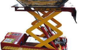 belly plate jack used for removing dozer belly plates
