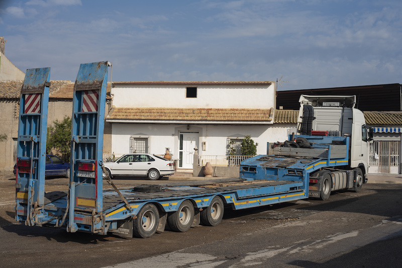 trailer ramp failure results in fatal injuries for worker