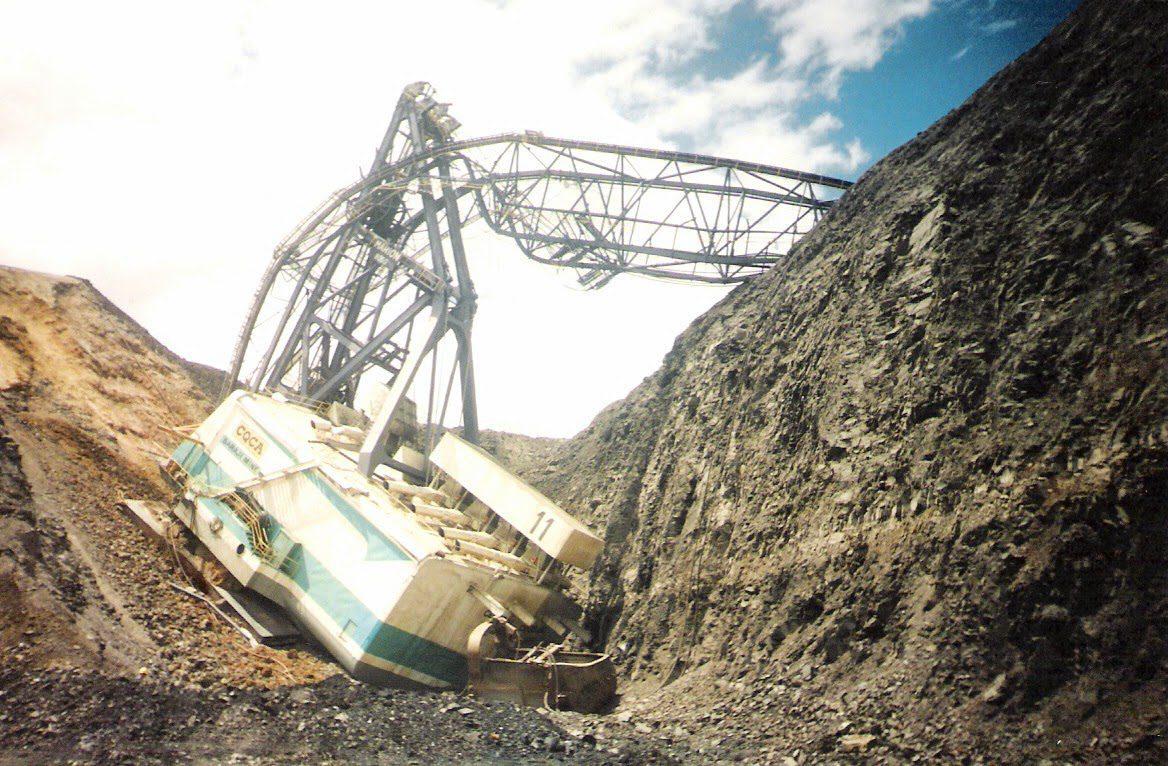 Dragline Bench failure at Saraji Mine