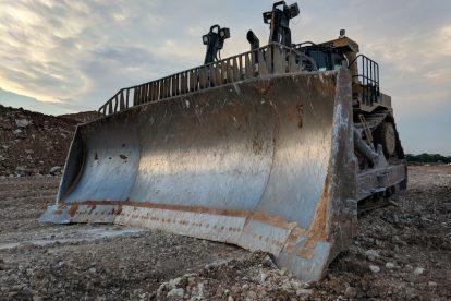 dozer push D11T mining safety