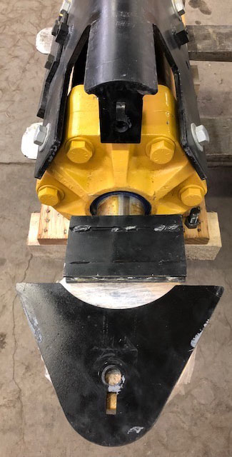 CAT D10T Tilt Cylinder and Guard