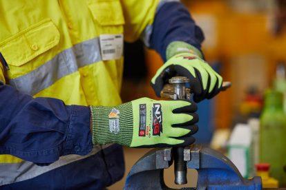 Safety Mate New Safety Regulations Gloves Standards